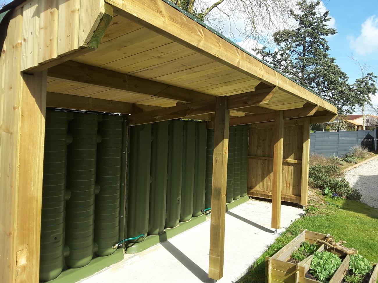 Construire Abris Bois abris bois et réserve d'eau : loire - atlantique. - ecol'eaumur