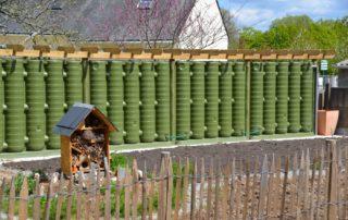 Clôture récupératrice d'eau de pluie pour le jardin pédagogique d'une école
