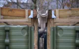 connexion des descentes d'eau pour remplissage des récupérateurs d'eau ecoleaumur