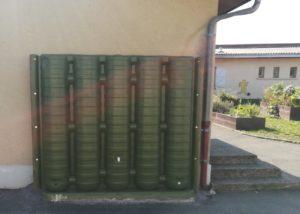 Récupérateur d'eau mural pour une école